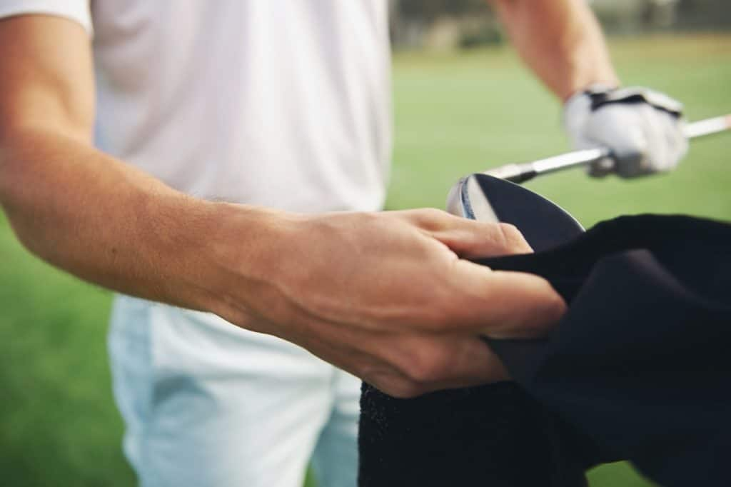 what are golf towels used for?