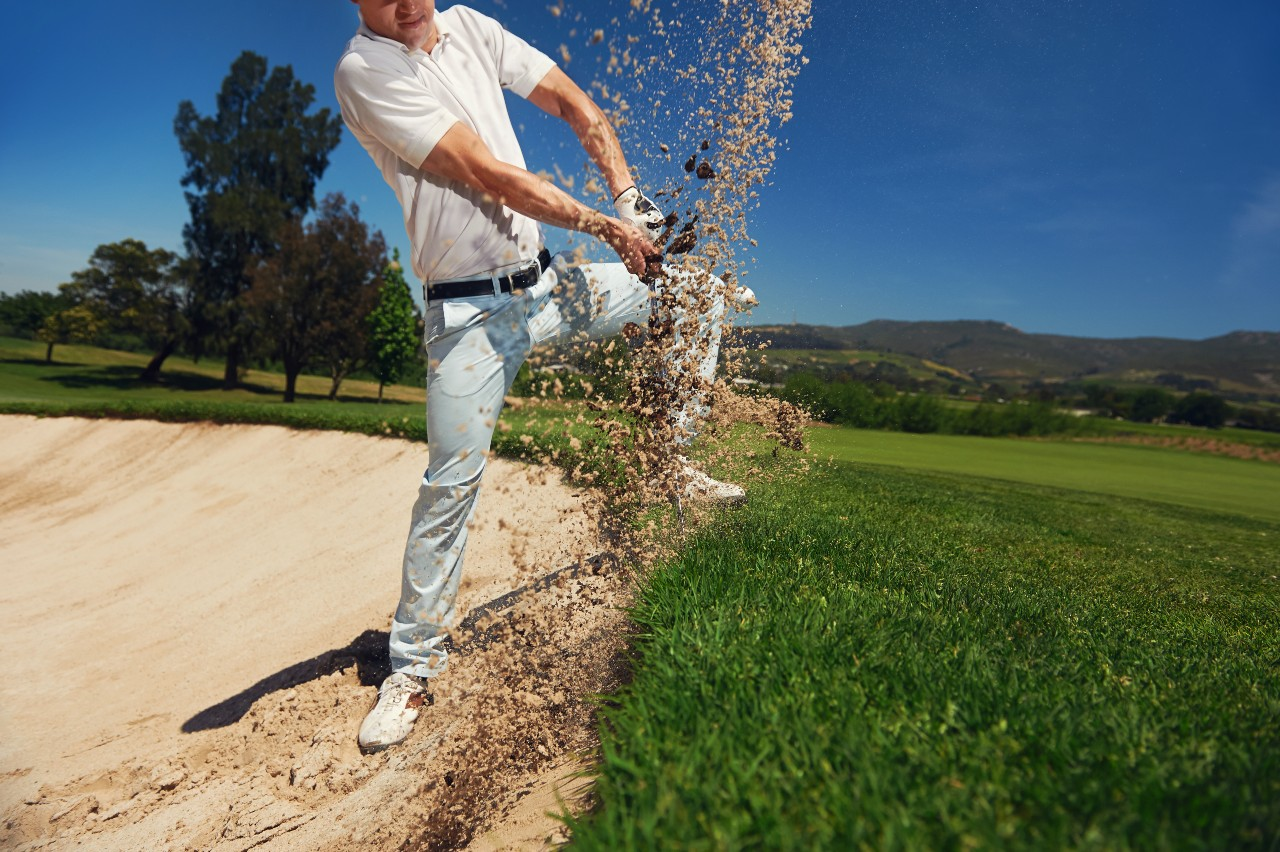 what is a golf bunker