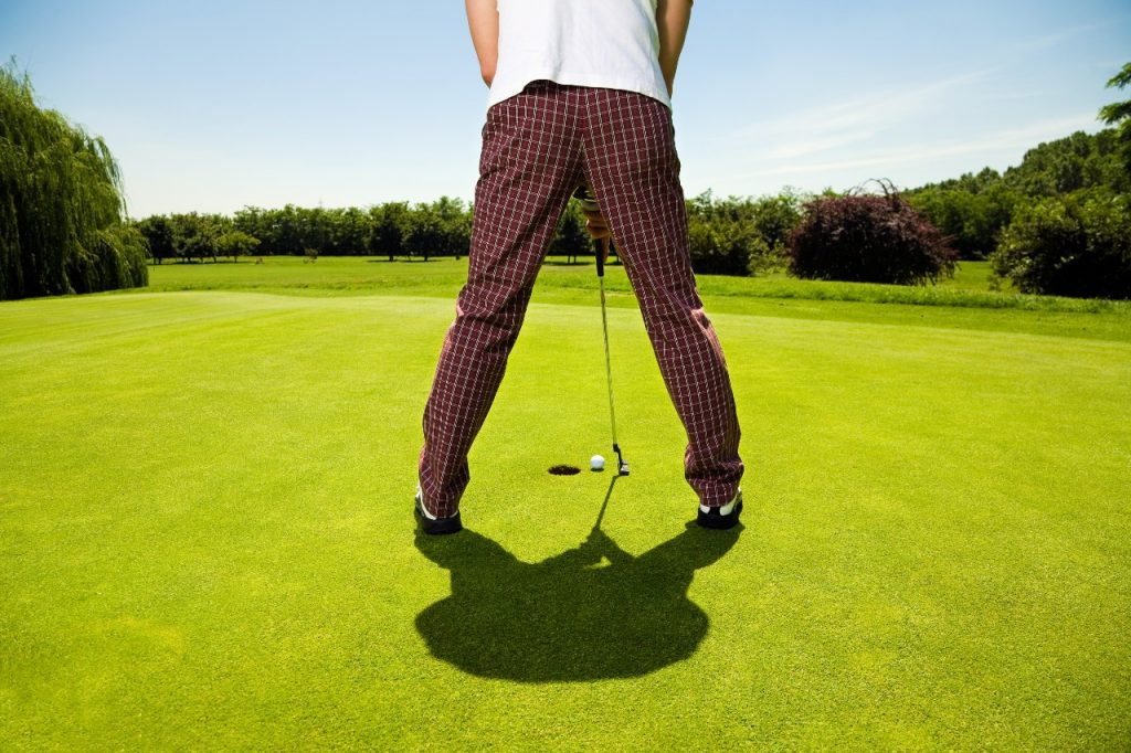 what is a golf putt