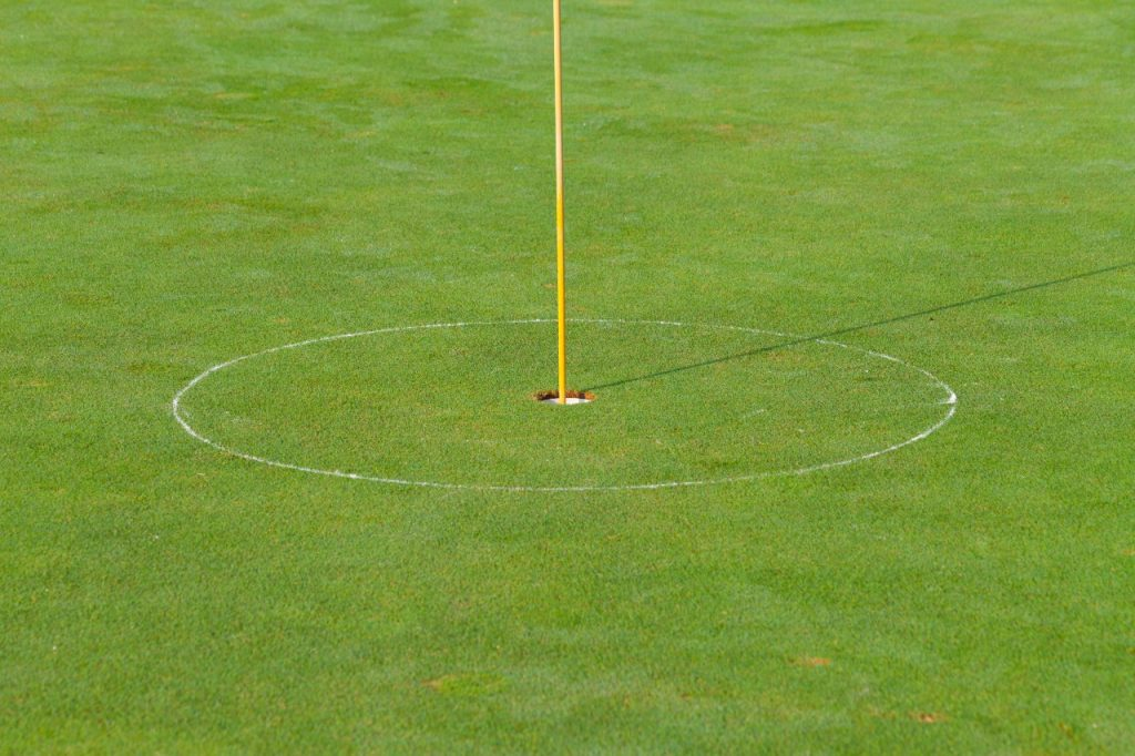 where to putt from in golf