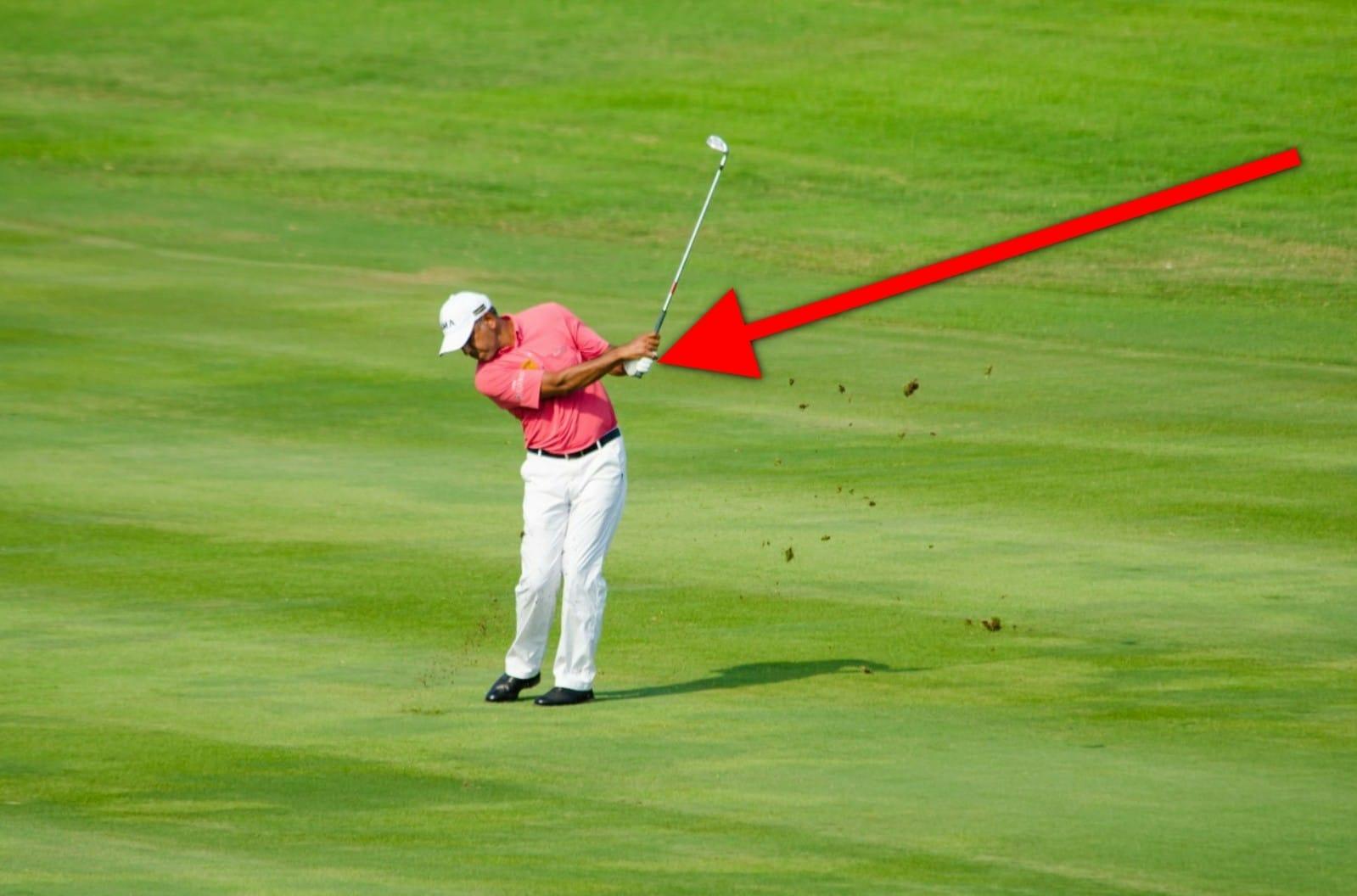 why do golfers wear one glove